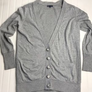 GAP button down sweater in grey